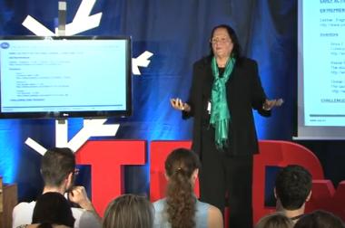 La doctora en matemáticas aplicadas Regina Llopis Rivas gana el premio Ada Byron a la Mujer Tecnóloga 2017 de la Universidad de Deusto