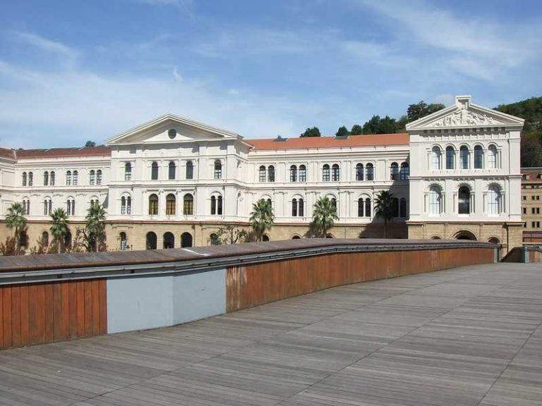 beca museos y educación para la paz