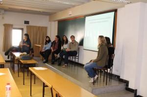Nuestra profesora, Susana Pueyo, presenta algunas cifras sobre el español en el vídeo.