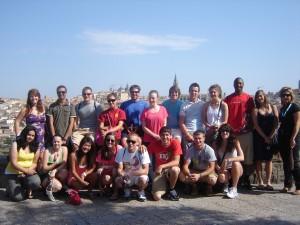 Samuel y sus compañeros visitan Toledo durante sus estudios en España