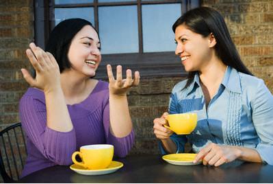friends-talking-saidaonline