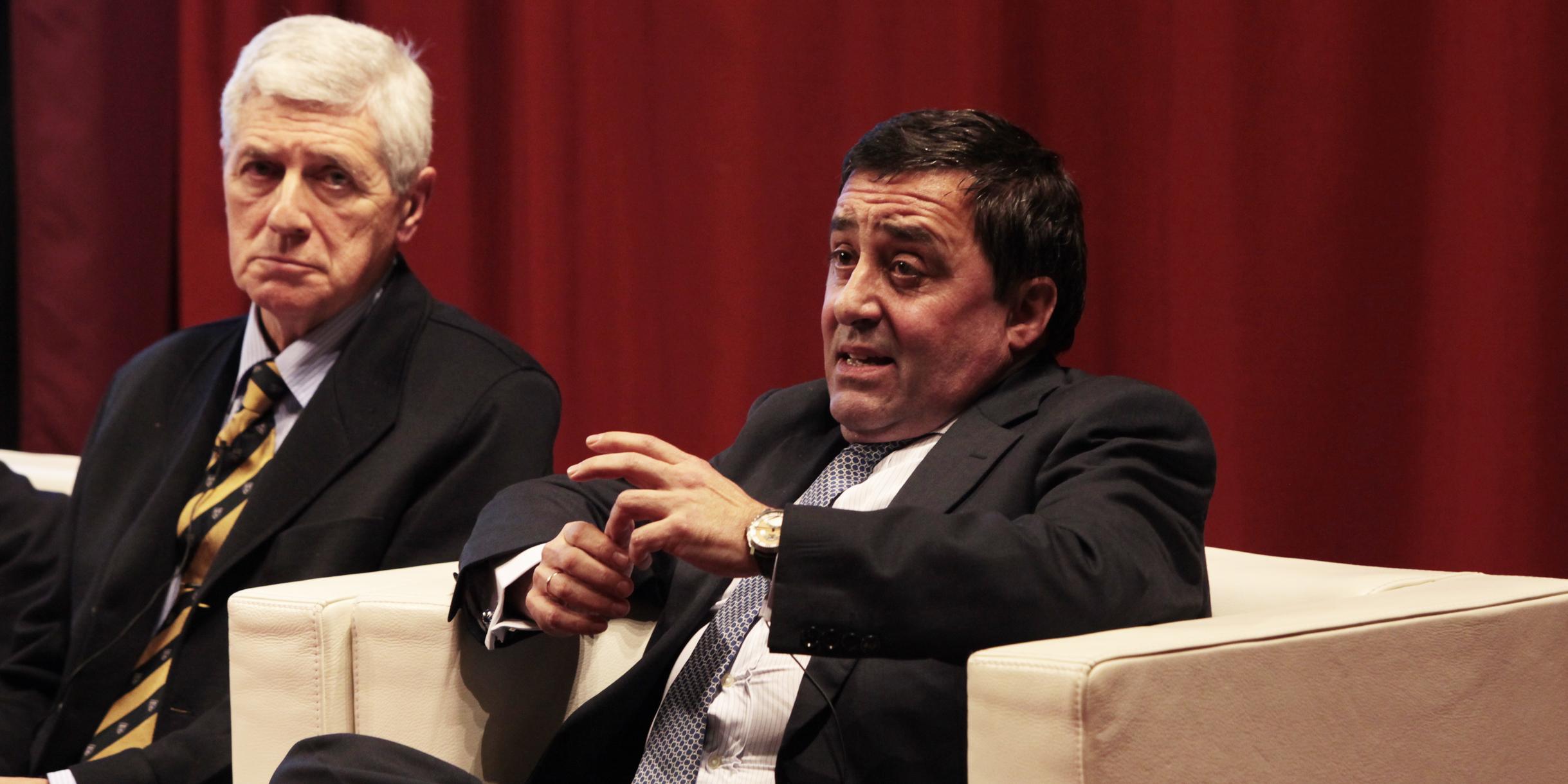 Alejandro y Juan Carlos